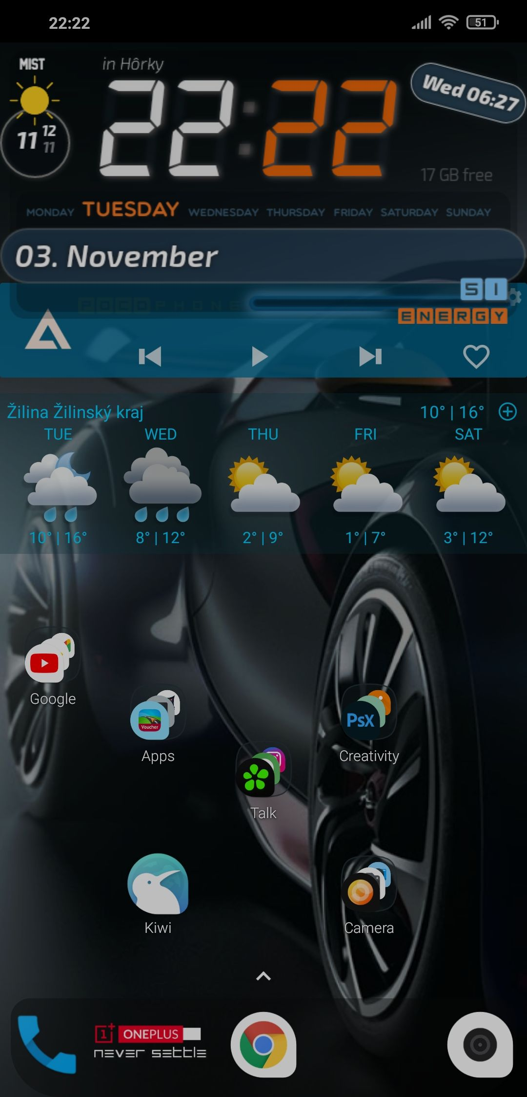 Screenshot_2020-11-03-22-22-21-435_com.teslacoilsw.launcher.jpg